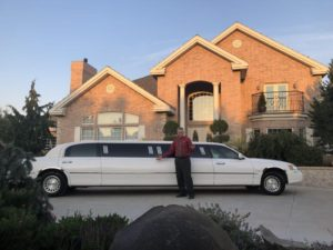 New Lincoln Stretch Limo Cameo Heights Mansion