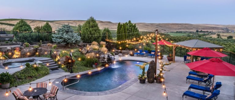Cameo Heights Mansion Scenic Patio View