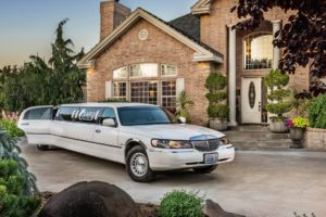 Cameo Heights Mansion Stretch Limo front view
